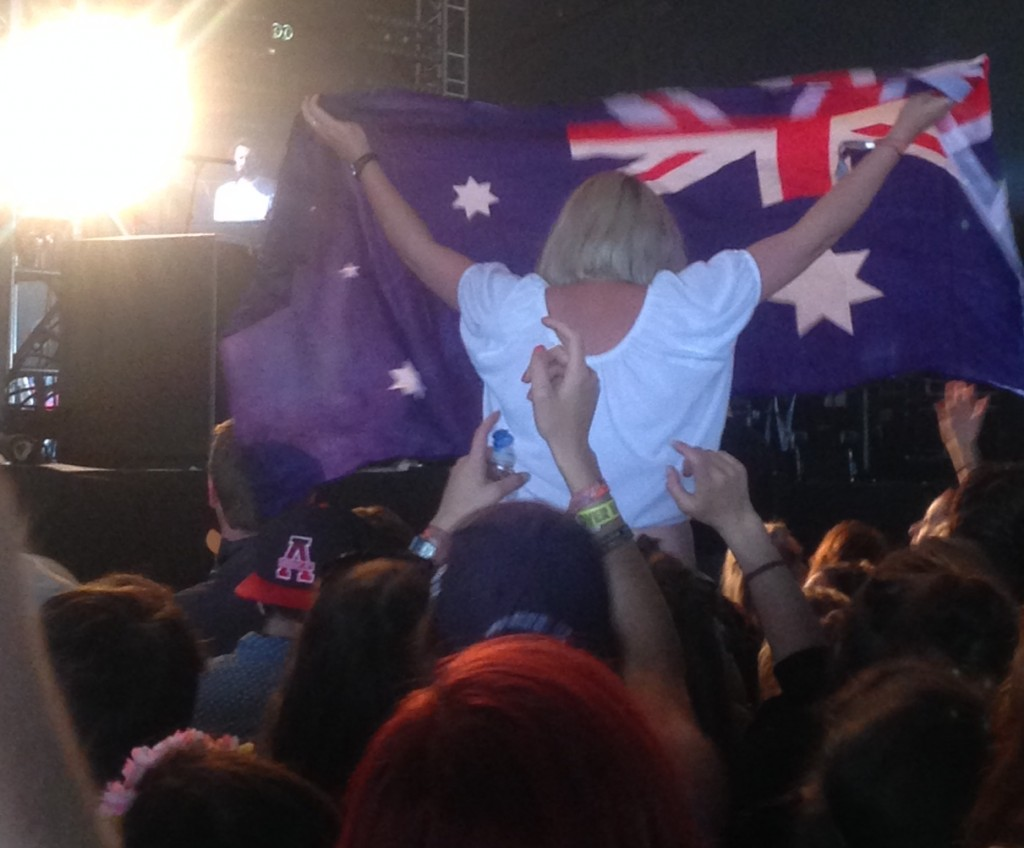 Oh yeah, sorry, a touch of patriotic Australian boganism can be found anywhere in the world too #chetfaker